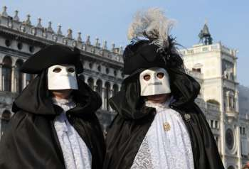 History of venetian masks: Bauta, the most significant one
